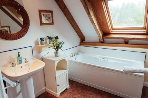 Allensdown Barn Bathroom